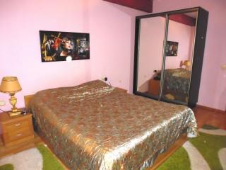 2 room apartment for rent, center Chisinau (ID 030)