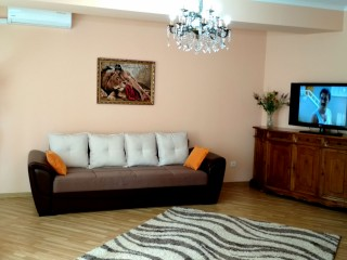 Short term rental in Chisinau: 2-room apartment